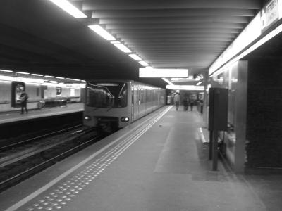 Metro en blanco y negro